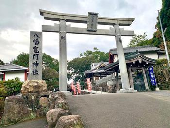 神社の門.jpg