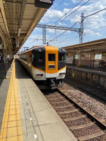 近鉄特急ビスタカー.jpg
